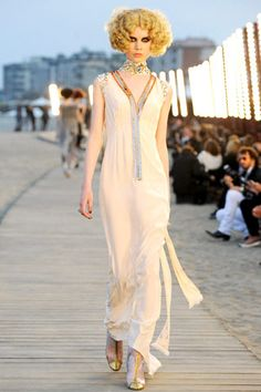 Chanel Resort 2010 Collection Slideshow on Style.com