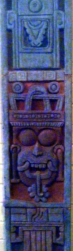 Estela tolteca en honor a Tlaloc