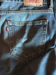nothing more comfy than a broke in pair of Levi's jeans~