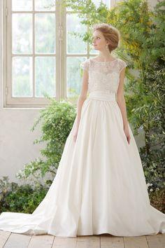 undefined Wedding Flower Girl Dresses, Perfect Wedding Dress, Vintage Bridal, Wedding Bridesmaids, Bridal Style, Wedding Styles, Bridal Gowns, Marie, Ball Gowns