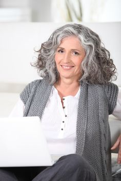 How to Grow Out Grey Hair