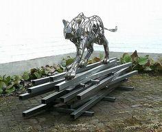 """Taiteillen"" 04/2017 Metalli, veistos, taide, scrapmetal, art, sculpture, steel"