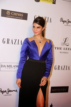 High Quality Bollywood Celebrity Pictures: Jacqueline Fernandez Super Sexy Cleavage and Legs Show At Grazia Young Fashion Awards 2015 Red Carpet At Leela Hotel, Mumbai