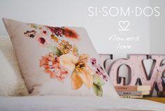 SISOMDOS loves flowers&love #sisomdos #flower #pillow #design #love #interiordesign