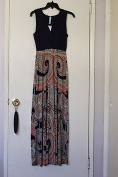 This is my style maxi. fitted bodice and easy through the hips!!! Love it! ??? Still avail???