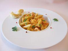 One pan pasta aux saveurs asiatiques (lait de coco, pâte de curry, saumon, crevettes)
