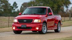 2000 Ford SVT Lightning Pickup presented as Lot at Kissimmee, FL New Trucks, Custom Trucks, Ford Trucks, 2005 Ford Mustang, Ford Svt, Pick Up 4x4, Auto Body Collision Repair, Ford Lightning, Single Cab Trucks