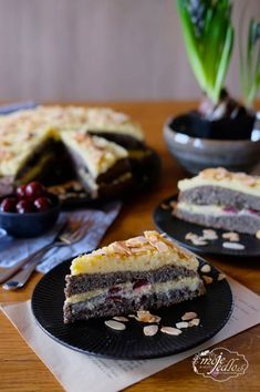 Maková torta s vanilkovým krémom Poppy, Pie, Gardening, Food, Torte, Cake, Fruit Cakes, Lawn And Garden, Essen