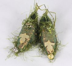 Fairy Shoes christmas tree ornament Moss Green by NellsEmbroidery