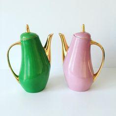 Dzbanki z serwisu Ewa Tułowice L. Mid Century Design, Table Runners, New Look, Bowls, Tea Pots, Art Deco, Chocolate Pots, Tableware, Polish