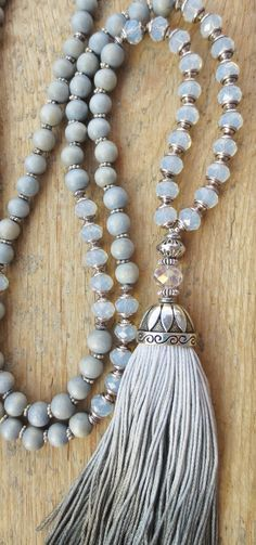 Mala necklace tassel silver grey glass beads Opalith Opale wood beads vintage  handmade OOAK Bettelkette Malakette Kette Quaste grau Silber Holzperlen Yoga
