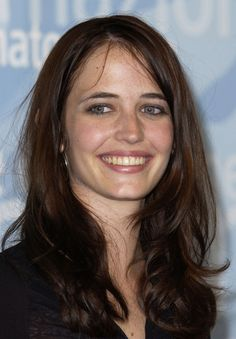 Eva Green On BuddyTV's Celeb Rater, Rate Your Favorite Celebrities Most Beautiful Faces, Beautiful Women, Actress Eva Green, Portrait Photography Tips, Vanity Fair, Green Photo, Bond Girls, French Beauty, French Actress