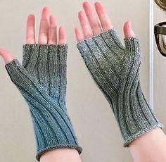 Ravelry: Pioneer Gloves pattern by Kelly McClure - stricken Pulswärmer - , Crochet Lace Scarf, Crochet Gloves Pattern, Crochet Mittens, Mittens Pattern, Lace Knitting, Knitting Socks, Knitting Patterns, Ravelry Crochet, Scarf Patterns