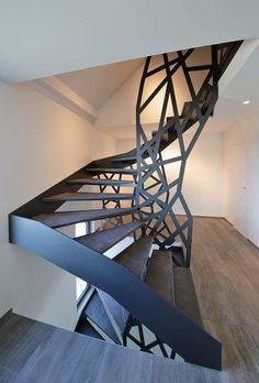 http://createlesscrap.tumblr.com/post/162587343103/thedesignwalker-iron-stairs