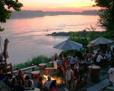 How beautiful is this view of the Missouri River? Coopers Landing Restaurant in southwest Columbia, Missouri Columbia Missouri, Missouri River, Columbia Restaurant, Kid Friendly Vacations, Weekend Getaways, Vacation Trips, Adventure Time, Places To See, Tourism
