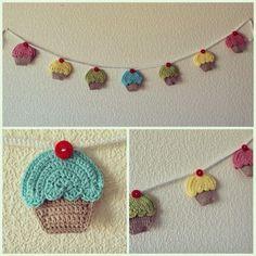 Emlansemlans creative little blog: Pennant with cupcakes