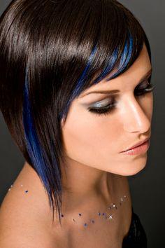 i love the blue highlights! Bold Hair Color, Vibrant Hair Colors, Gorgeous Hair Color, Hair Streaks, Hair Highlights, Blue Streaks, Short Brown Hair, Blue Hair, Pink Hair