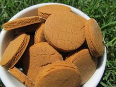 (Gluten-Free) Peanut Butter Molasses Dog Treat/Biscuit Recipe via Doggy Dessert Chef