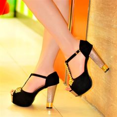 Hot Heels - I Love Shoes, Bags & Boys