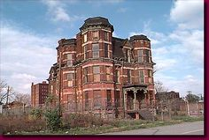 Ruined mansion in Brush Park, Detroit, MI