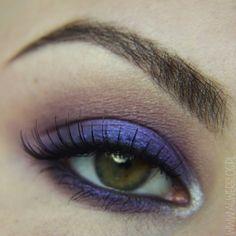 Another look featuring Makeup Geek's Caitlin Rose foiled eyeshadow in honor of Batten Disease! Inspired by Manny MUA, aGwer used Makeup Geek eyeshadows in Ice Queen, Mango Tango, Stealth, Unexpected and Caitlin Rose (foiled) for this look.