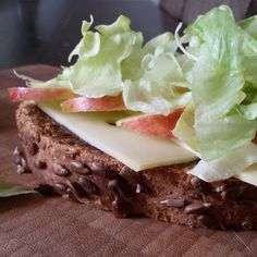 Sandwich met appelstroop, kaas en appel - Het keukentje van Syts