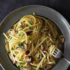 Linguine with Lemon, Garlic, and Thyme Mushrooms