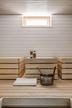 Sauna in Helsinki Portable Steam Sauna, Sauna Steam Room, Sauna Room, Sauna Design, Finnish Sauna, Spa Rooms, Infrared Sauna, Saunas, Amazing Bathrooms
