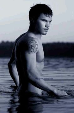 Taylor Lautner @jo Hunter Lamb no words