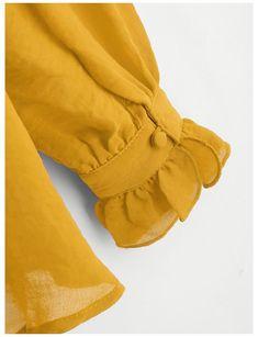 Kurti Sleeves Design, Kurta Neck Design, Sleeves Designs For Dresses, Fancy Blouse Designs, Blouse Neck Designs, Sleeve Designs, Chudi Neck Designs, Hand Designs, Stylish Blouse Design