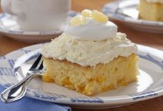 Pineapple Cream Cake: Need a yummy dessert for a covered- dish supper? Then this is your ticket! You can even make it a day or two ahead. It just gets better! Pineapple Cream Cake Recipe, Pineapple Recipes, Pineapple Cake, Crushed Pineapple, Pineapple Frosting, Hawaiian Recipes, Easy Desserts, Delicious Desserts, Yummy Food