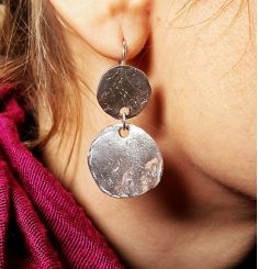 Adorable vintage style sterling silver earrings. We named them Mirrors as they reflect light and colors of surrounding, making your day bright.  Attention! If you are shy and do not like having much attention focused on you, do not chose these earrings. There is no chance to stay in the background wearing them.  But if you like always hit the highlight, then Mirrors earrings are what you need.  Amorem jewelry Vintage Earrings, Vintage Fashion, Vintage Style, Sterling Silver Earrings, Drop Earrings, Stuff To Buy, Highlight, Mirrors, Accessories
