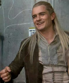 It's rare that I find a picture of Legolas that I haven't seen before.... I am pleased! Lol