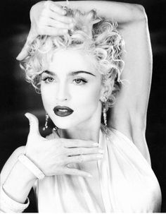 Madonna New Hair Cut new hair cut whatsapp status Madonna Rare, Madonna 90s, Madonna Vogue, Madonna Fashion, Madonna Photos, Music Photo, Female Singers, Material Girls, Beautiful Celebrities