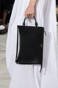 Risultati immagini per jil sander bags Cheap Purses, Cheap Handbags, Cute Purses, Black Handbags, Luxury Handbags, Fashion Handbags, Purses And Handbags, Fashion Bags, Popular Handbags