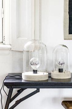 Zin in een heerlijk nieuw DIY project? We zochten voor je uit hoe je een eigen stolp lamp maakt!
