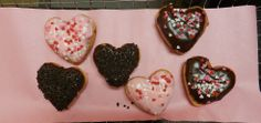 Perfect for most anyone! Heart shaped donuts from Dunkin Donuts Valentines Day History, Dunkin Donuts, Heart Shapes, Decor Ideas, Sugar, Cookies, Desserts, Gifts, Food