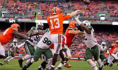 Former Browns' QB Josh McCown visiting the Jets = Quarterback Josh McCown, who has bounced all over the NFL but most recently played for the Cleveland Browns, is now meeting with the New York Jets. According to NFL Network's Ian Rapoport, there is also interest from the Dallas Cowboys. In New York, McCown may actually be able to fight for the starting job. The Jets have…..