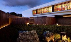 Casa en La Moraleja / DHAL  http://www.arquitexs.com/2014/07/casa-moderna-en-la-moraleja-madrid-DHAL-GHG-Architects.html