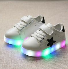 Enfants Shoes 2016 Nouvelle star de la mode Led Shoes Filles Princesse mignon Shoes Avec La Lumière lumineux garçon tenis fille formateur pour bébé