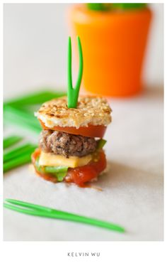 As I was searching for low calorie recipes, I came upon this low calorie hamburger.....well, of course it's low calorie....LOOK at it!  I laughed so hard at this.