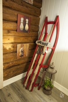 Bilde av Sled Country Farmhouse, Sled, Country Style, Norway, Diy Furniture, Home Appliances, Pictures, Lead Sled, House Appliances