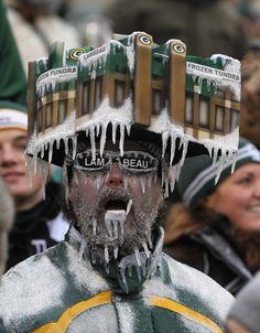 10 Reasons the Packers Have the Best Fans in the NFL! Maybe because we have a 20+ year waiting list for season tickets??!