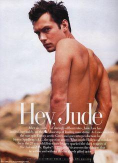 Jude Law su un magazine americano: 4702 Jude Law, Young Pope, Hey Jude, Best Supporting Actor, Thing 1, James Mcavoy, Steven Spielberg, Cartoon Tv, British Actors