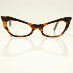 2ab7a4dc9de 1950s Tortoise Cateye Frames - OH MY I WANT!! Cat Eye Glasses