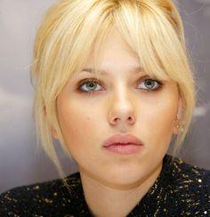 Platinum Blonde   Scarlett Johansson Hairstyles: Light Platinum Blonde Coloring, A-Line ...