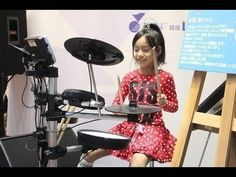 Super Incredible Girl Drummer FOOLS Crowd at Japanese Mall! So Cool! - YouTube