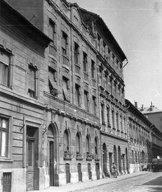 Utca, Budapest, Archive, Multi Story Building, Street View, Modern, Trendy Tree