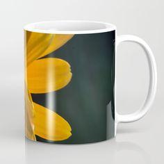 Fujfilm X-M1 mit Vivitar Converter x2 mit Auto_Revuenon 50mm 1:1.9.... mitdurch das Display meiner Kamera gesehen Coffee Mugs, Tableware, Artwork, Stuff To Buy, Autos, Camera, Dinnerware, Work Of Art, Auguste Rodin Artwork