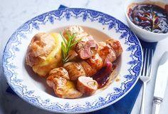 Kalfsrolletjes met Breydelspek, Grimbergenkaas en gepofte aardappel